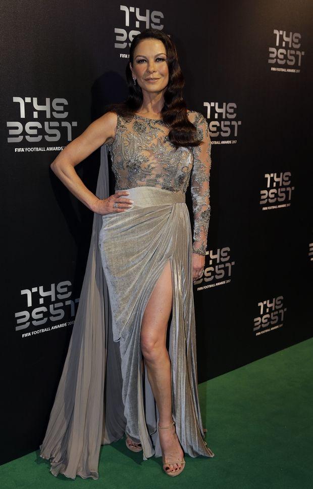 Catherine Zeta-Jones ποιο βραβείο να σου δώσουμε;