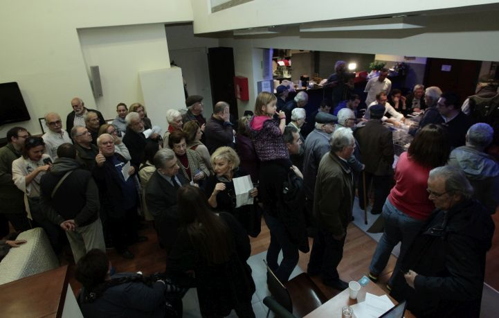 Παραπάνω από 200.000 ψηφοφόροι στην εκλογή του ηγέτη της Κεντροαριστεράς