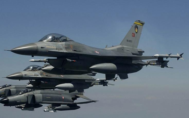Χαμηλές πτήσεις τουρκικών μαχητικών πάνω από την κατεχόμενη Λευκωσία