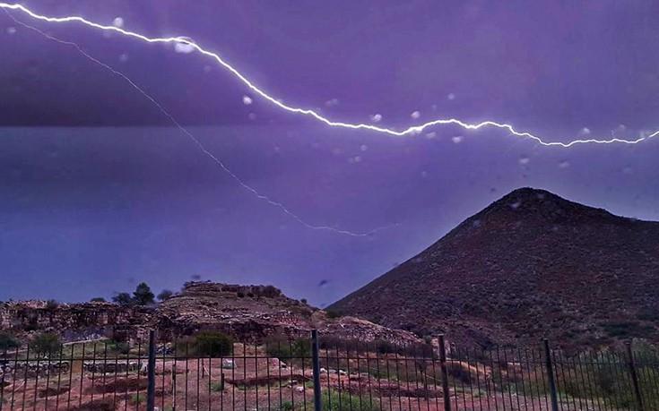 Πού θα χτυπήσουν οι καταιγίδες τις επόμενες ώρες και ημέρες σύμφωνα με την ΕΜΥ