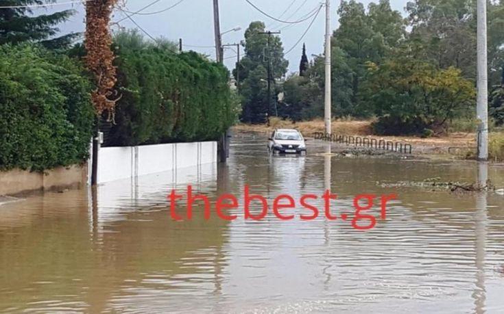 Εγκλωβίστηκαν λόγω πλημμύρας οδηγοί στην Πάτρα
