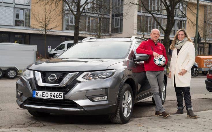 Η Nissan με τους θρύλους του Champions League Desailly και Basler