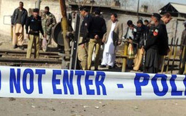 Έκρηξη αυτοσχέδιας νάρκης στα σύνορα με το Πακιστάν με τρεις νεκρούς