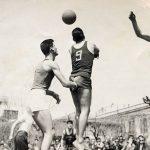 Στα 83 του συνεχίζει να παίζει μπάσκετ ο Βύρων Αλεξιάδης