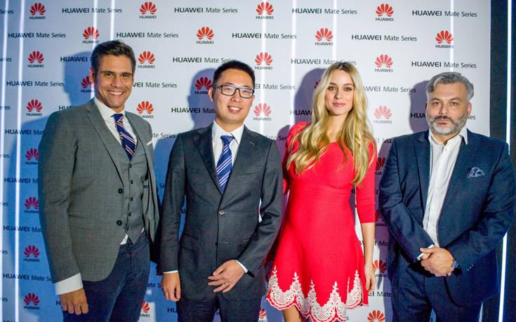 Ο κ. Δημήτρης Ουγγαρέζος οικοδεσπότης της βραδιάς, ο κ. Lin Bing, Country Manager Terminals, Huawei Ελλάδος, η κα Δούκισσα Νομικού, Πρέσβειρα της σειράς Mate της Huawei, ο κ. Πέτρος Δρακόπουλος, Country Marketing Manager, Huawei Ελλάδος