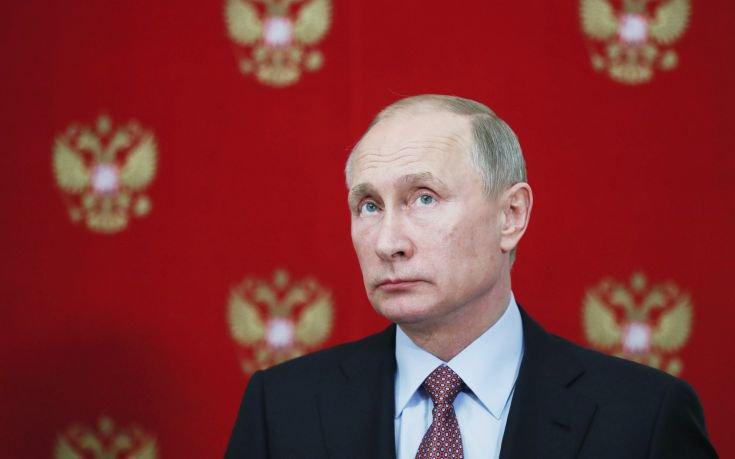 «Προίκα» 400 εκατ. ρουβλίων για την προεκλογική εκστρατεία του Πούτιν