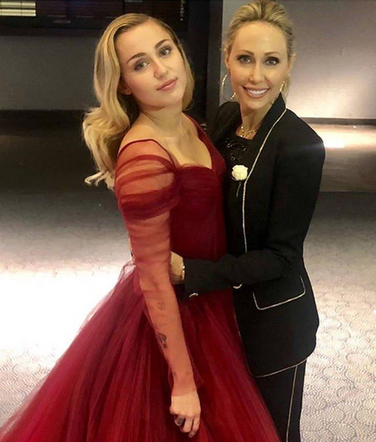Αυτή είναι η μαμά της Miley Cyrus