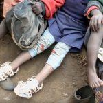 «Το παπούτσι που μεγαλώνει» και αλλάζει εκατομμύρια ζωές