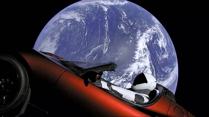 Η SpaceX έγραψε ιστορία εκτοξεύοντας τον ισχυρότερο πύραυλο στον κόσμο