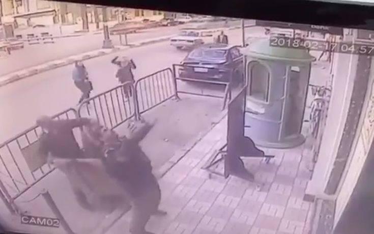 Αστυνομικός έπιασε στον αέρα παιδί που έπεσε από μπαλκόνι