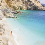 Δέκα ελληνικοί προορισμοί που πρέπει να επισκεφτείτε πριν ακριβύνουν