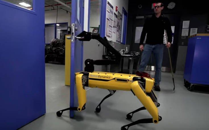 Ρομπότ έχει απίστευτο πείσμα και τελικά τα καταφέρνει