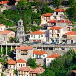 Λαγκάδια, το γραφικό χωριό στη βουνοπλαγιά
