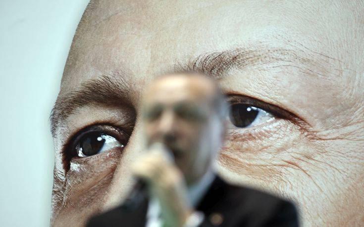 Σε αχαρτογράφητα νερά οδηγεί ο Ερντογάν τα ελληνοτουρκικά