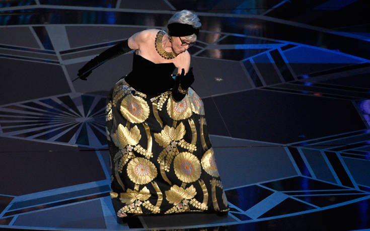 Η Ρίτα Μορένο φόρεσε στα Όσκαρ το ίδιο φόρεμα 56 χρόνια μετά