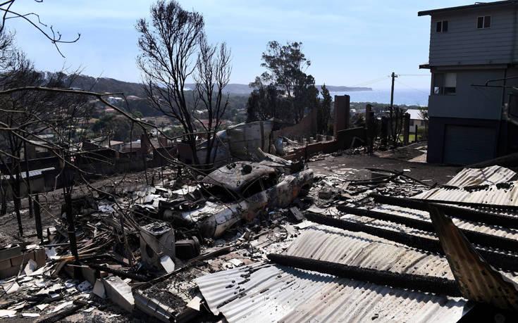 Εκκενώθηκε φλεγόμενη πόλη στην Αυστραλία