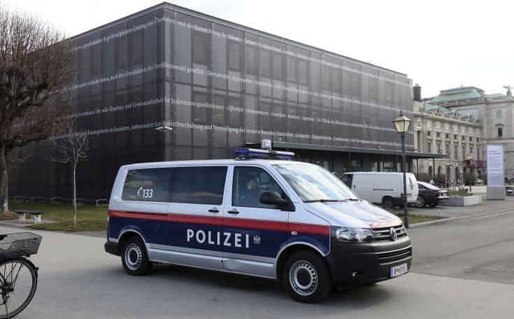 Αυστριακός γιατρός καταδικάστηκε για εξύμνηση του Χίτλερ