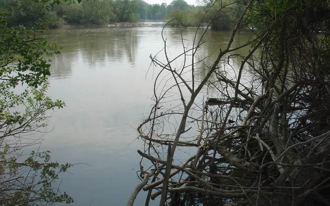 «Πάνω από το όριο επικινδυνότητας η στάθμη των νερών στους ποταμούς Έβρο και Άρδα»