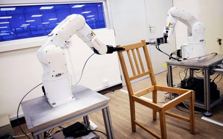 Ρομπότ συναρμολόγησαν έπιπλα του ΙΚΕΑ