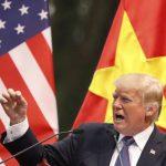 Κλιμακώνει την ένταση με την Κίνα ο Τραμπ