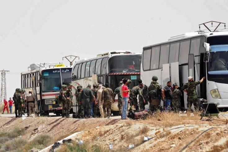 Σύροι αντάρτες αποχωρούν από θύλακα βορειανατολικά της Δαμασκού