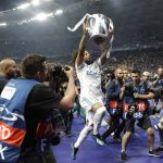 Έφτασε στη Μαδρίτη με το τρόπαιο του Champions League η Ρεάλ