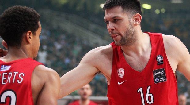 Ψυχωμένος ο Ολυμπιακός, έσπασε την έδρα και το αήττητο του Παναθηναϊκού (75-65)