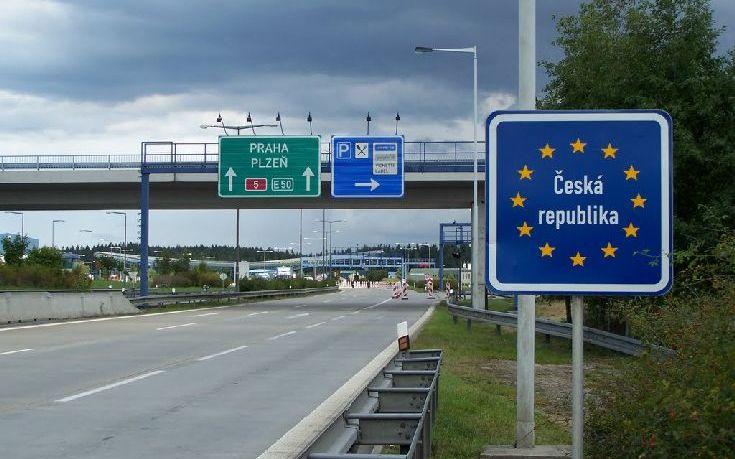«Πόρτα» της Τσεχίας στη Μέρκελ για τη μεταναστευτική κρίση