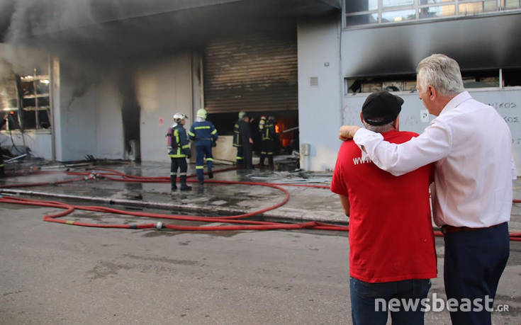 Υπό μερικό έλεγχο η φωτιά στο Περιστέρι