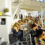 Scarpa, το cocktail bar με τους πιο πιστούς θαμώνες στη Μύκονο