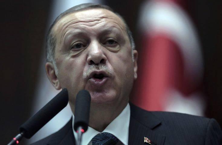 Ο Ερντογάν προκαλεί όσους «παίζουν παιχνίδια» με την οικονομία της Τουρκίας
