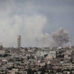 Τουρκικά άρματα προωθούνται στα σύνορα με τη Συρία