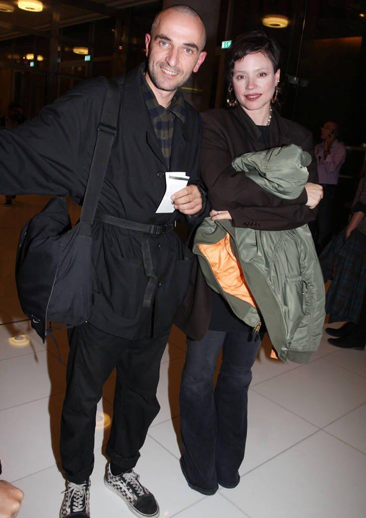 Σπάνια έξοδος του Άρη Σερβετάλη με την σύζυγό του