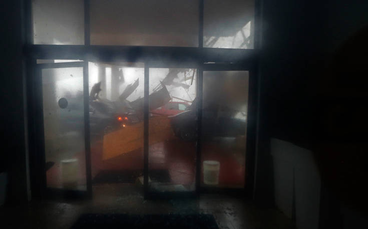 Σαρώνει τη Φλόριντα ο τυφώνας Μάικλ