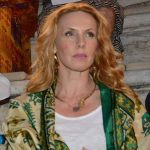 Εβελίνα Παπούλια: Πνίγομαι στο γάμο, παθαίνω κρίση πανικού