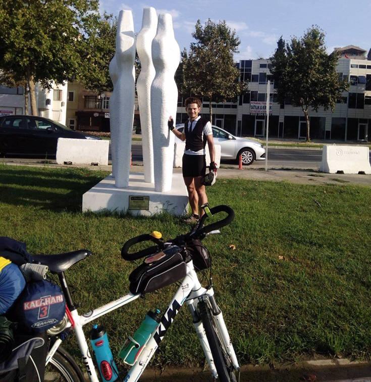Ο ποδηλάτης που ταξίδεψε από την Παναγία Σουμελά του Βερμίου στην Τραπεζούντα