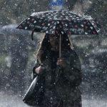 Χειμωνιάτικο Σαββατοκύριακο με κρύο, βροχές και χιόνια στα ορεινά