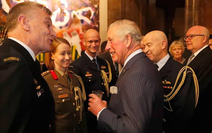 Ο πρίγκιπας Κάρολος αποκάλυψε το όνομα του μωρού του Χάρι και της Μέγκαν Μαρκλ