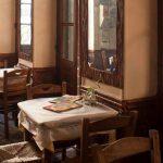 Μαγειρεία στο κέντρο που μεταφέρουν στην παλιά καλή Αθήνα