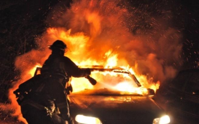 Φωτιά ξέσπασε σε αυτοκίνητο που κινούταν στην Εγνατία οδό