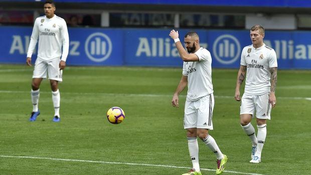 """Έιμπαρ – Ρεάλ Μαδρίτης 3-0: Μια ταπεινωμένη """"βασίλισσα"""""""