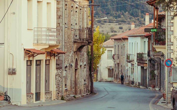 Όμορφα και γραφικά χωριά στην αγκαλιά του Μαίναλου