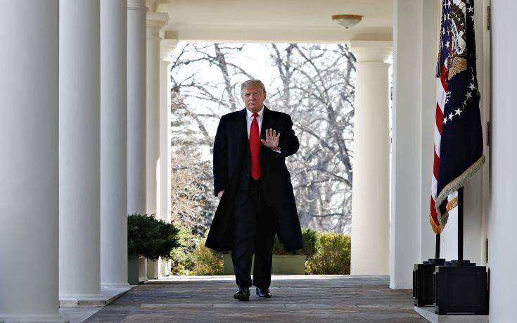 Τραμπ σε Κογκρέσο: Χάνετε το καιρό σας αν δεν συζητήσετε για το τείχος