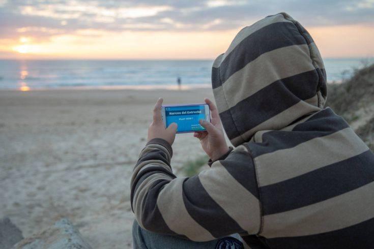Το αμφιλεγόμενο παιχνίδι για κινητά που προκαλεί ανησυχία για την επιρροή του στους νέους
