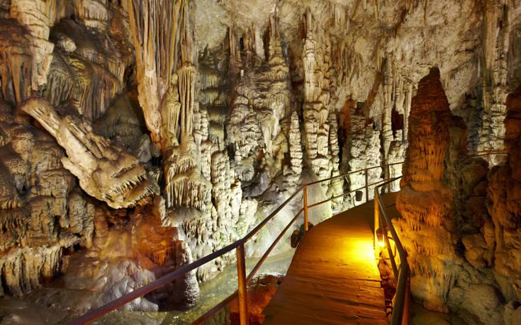 Το εντυπωσιακό σπήλαιο που γεννήθηκε ο Δίας