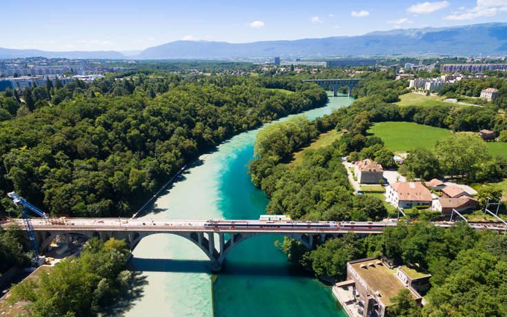 Η εντυπωσιακή ένωση δύο ποταμών στη Γενεύη