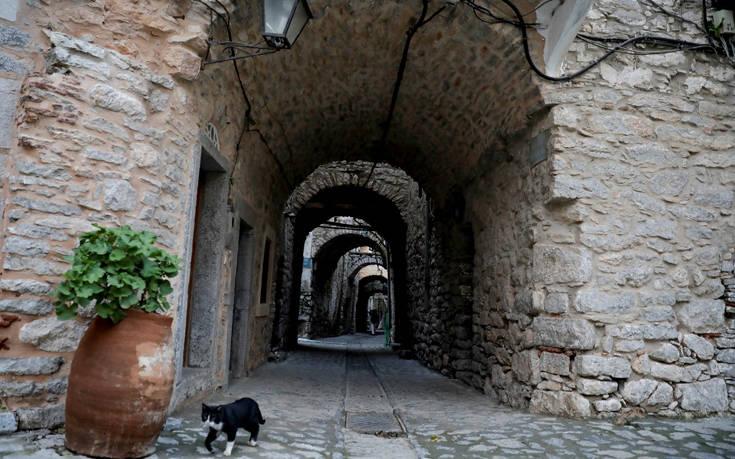 Υπέροχες χειμωνιάτικες εικόνες στο «λαβύρινθο» της Χίου