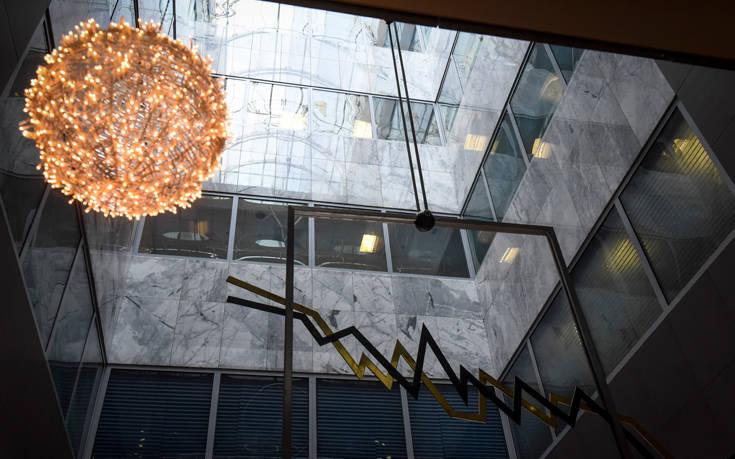 Πτώση στο ελληνικό χρηματιστήριο μετά τις ανακοινώσεις Ντράγκι