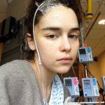 Συγκλονίζουν οι φωτογραφίες της Εμίλια Κλαρκ του Game Of Thrones μέσα από το νοσοκομείο