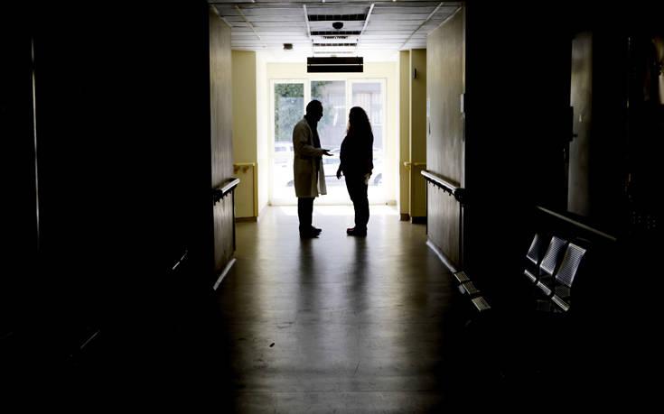 Ερωτηματικά για την αυτοκτονία με όπλο αστυνομικού στο νοσοκομείο της Πάτρας